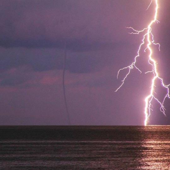 tornado-ligtning-0715