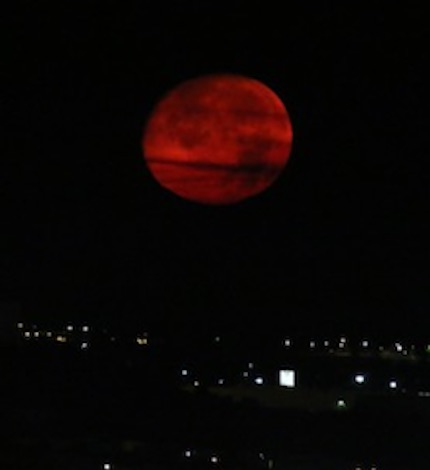 red-moon-wyoming02