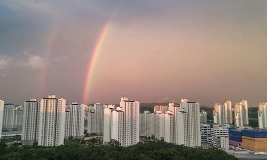 韓国の二重の虹