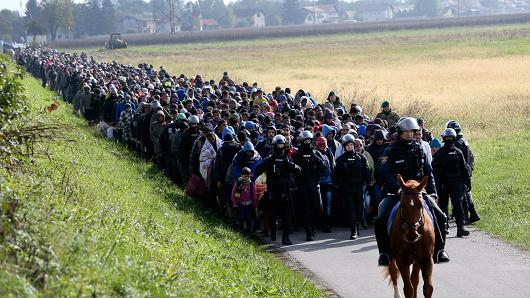 migrant-slovenia-2015-10-20