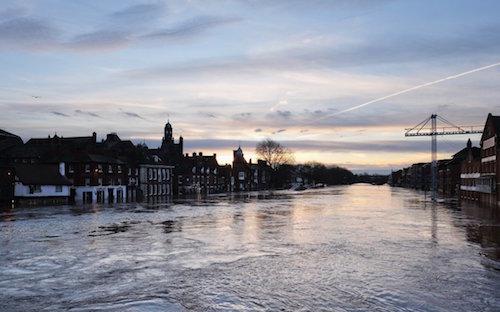 uk-severe-flood-warning