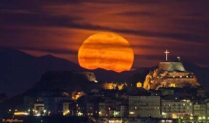 full-moon-greece