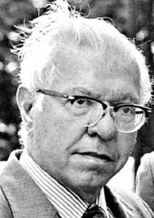 Sir-Fred-Hoyle