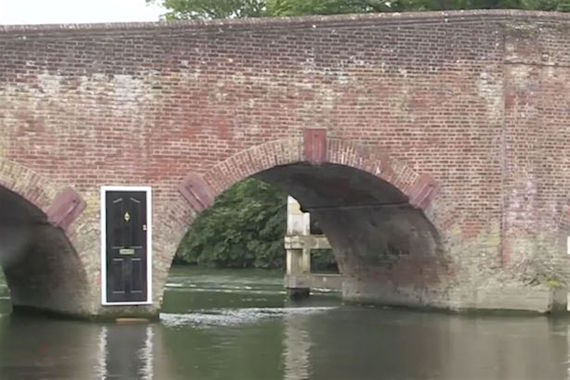 Mysterious-door-appears-on-bridge