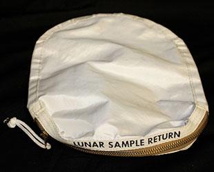 apollo-11-luner-sample-return