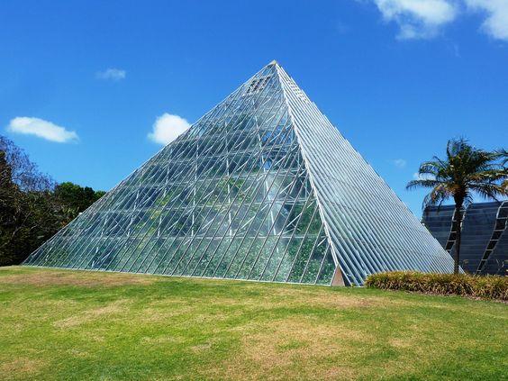 botani-gardens-pyramid