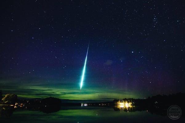 fireball-in-auroras